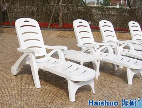 豪华沙滩躺椅